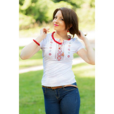 Sale!! Embroidered t-shirt for woman. Size S