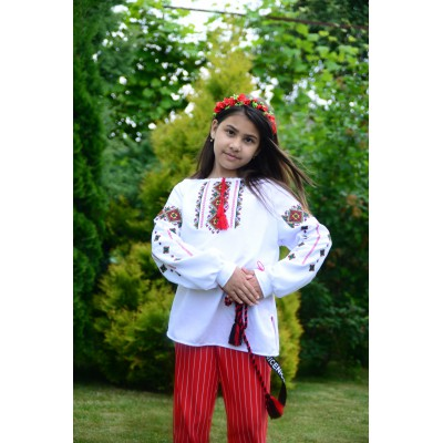 "Embroidered blouse for girl ""Mountain Breeze"""