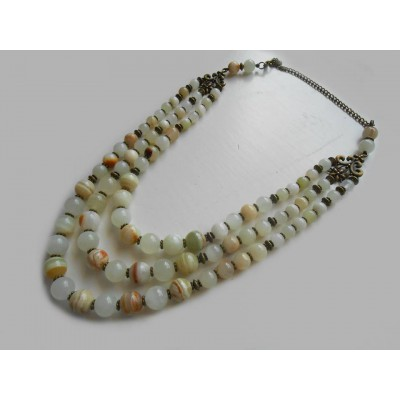 Necklace of white onyx natural gemstone 3 threads