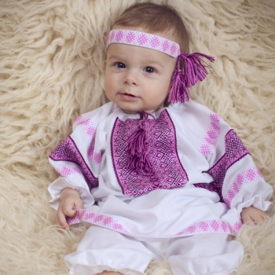 "Embroidered costume for baptism ""Girl 1"""