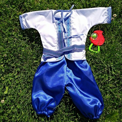 "Embroidered costume for baptism ""Boy 3"""