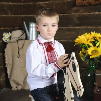 "Embroidered shirt for little boy ""Orest"""