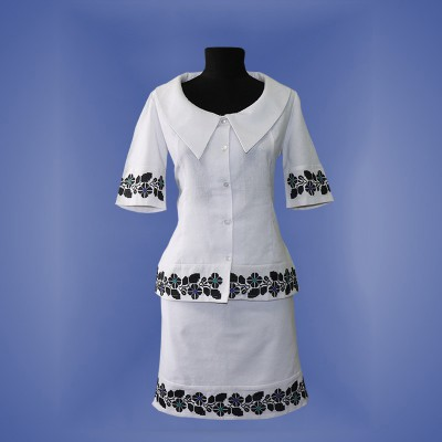 "Embroidered costume ""Borshchiv"""