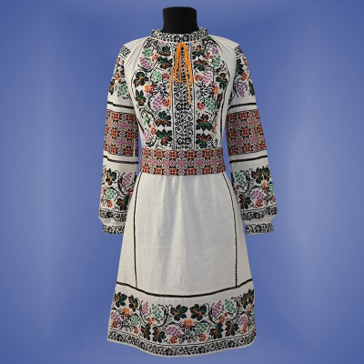 "Embroidered dress ""Fantasy"""