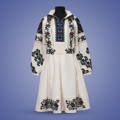 "Embroidered dress ""Night Flower"""