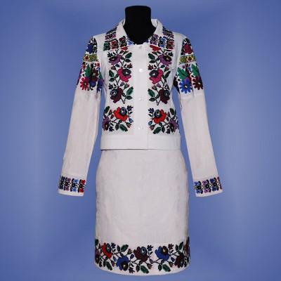 "Embroidered costume ""Malves 1"""