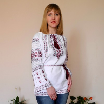"Embroidered blouse ""Alyna"""