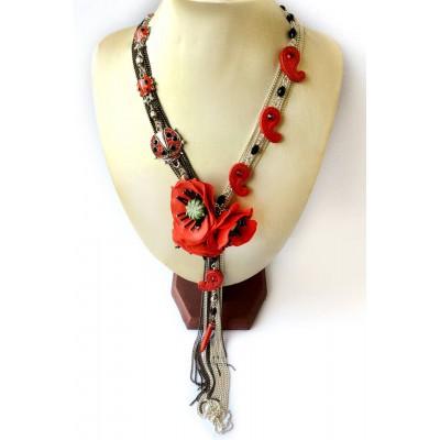 "Necklace ""Poppies Scarlett"""