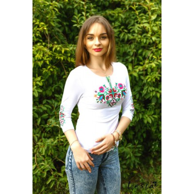 "Embroidered t-shirt with 3/4 sleeves ""Forest Song"" pink on white"