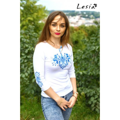 "Embroidered t-shirt with 3/4 sleeves ""Forest Song"" blue on white"