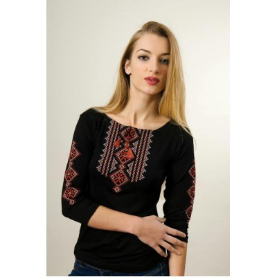 "Embroidered t-shirt with 3/4 sleeves ""Gutsul Girl"" red on black"