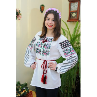 "Embroidered blouse ""Violets&Roses"""