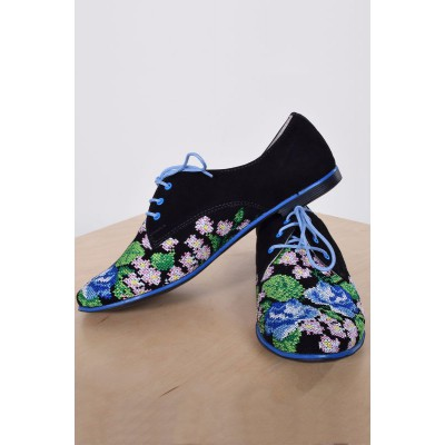 "Embroidered Shoes ""Breath of Spring"" blue"