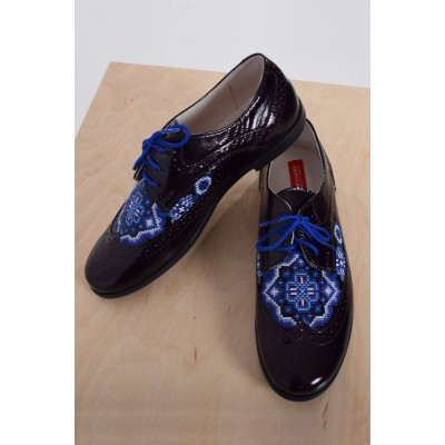 "Embroidered Shoes ""Halo Blue"""
