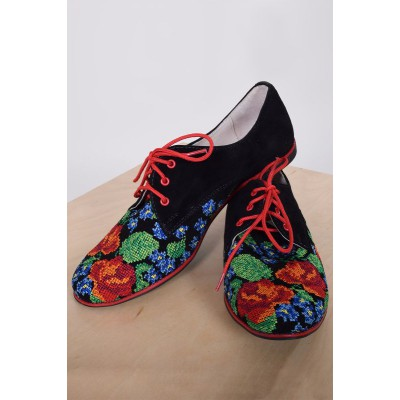 "Embroidered Shoes ""Breath of Spring"""