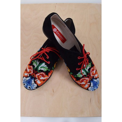 "Embroidered Shoes ""Rondo Red"""