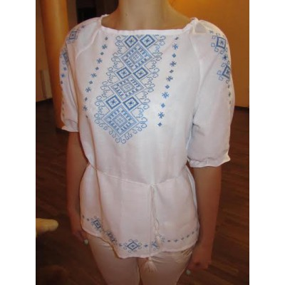 "Embroidered  blouse ""Shining Moon Blue on White 1/2 sleeve"""