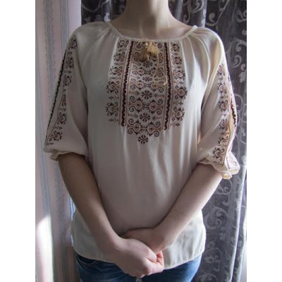 "Embroidered  blouse ""Oriental Curves Brown on White 1/2 sleeves"""