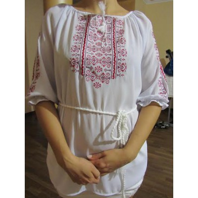"Embroidered  blouse ""Oriental Curves Red on White"""