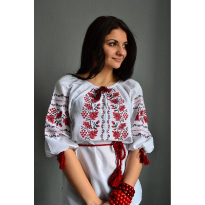 "Embroidered  blouse ""Red Grapes"""