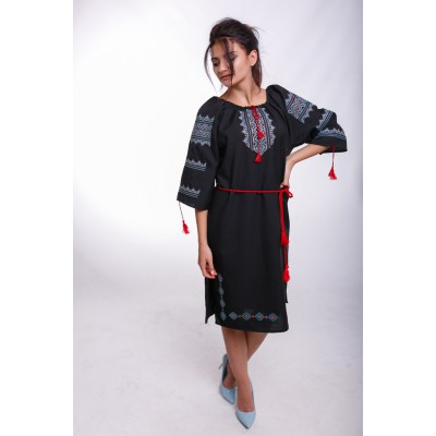 "Embroidered Classic Dress ""Galician Lady"""