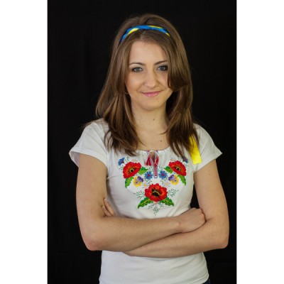 "Embroidered t-shirt ""Bouquet of Garden Flowers"""