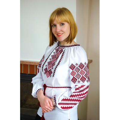 "Embroidered blouse ""Attractive Geometry"""