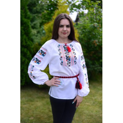 "Embroidered blouse ""Colourful Oaks"""