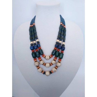 Necklace Patsyorka of glass beads colourful 3 threads