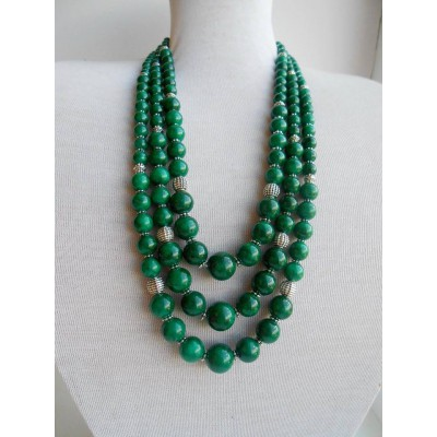 Necklace Namysto of pressed colored corals green 3 threads