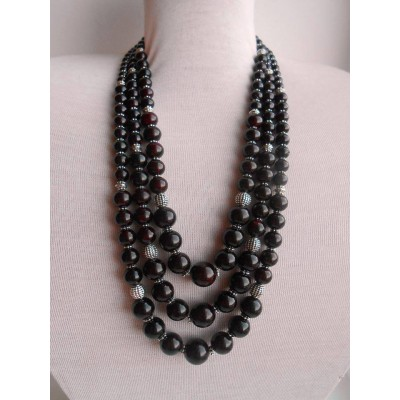 Necklace Namysto of pressed colored corals black 3 threads