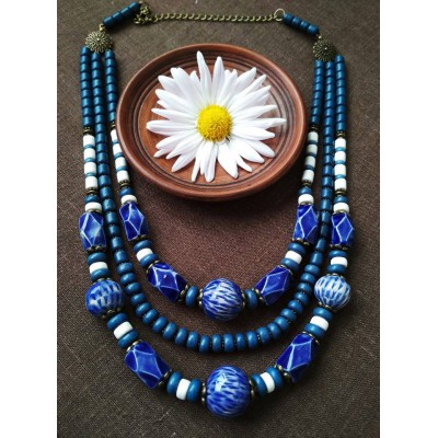 Necklace Korali of ceramic beads blue 3 threads