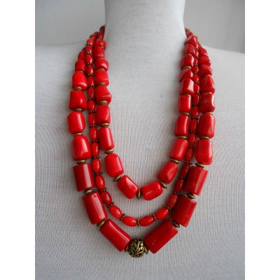 Necklace Namysto of real corals 3 threads
