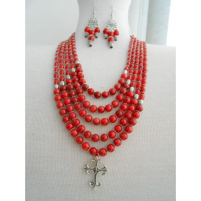 Necklace Namysto and earrings of real corals 5 threads with metal cross