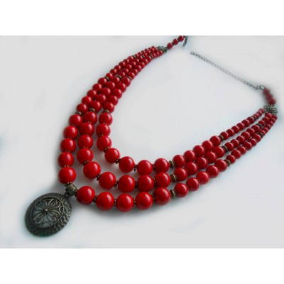 Necklace Namysto of pressed corals with medallion set 3 threads