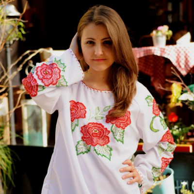 "Beads Embroidered Blouse ""Red Rose"""