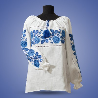 "Embroidered blouse ""Roses Blue on White"""