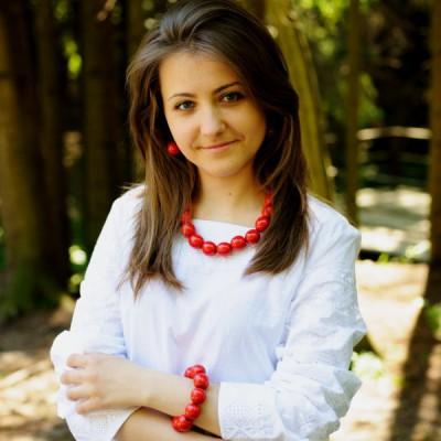 Wooden Necklace + Bracelet + Earrings Red