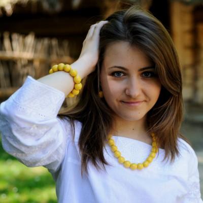 Wooden Necklace + Bracelet + Earrings Yellow