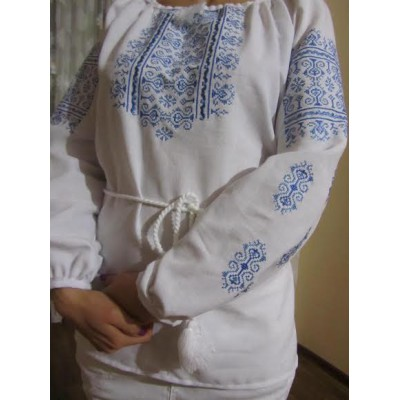 "Embroidered  blouse ""Oriental Curves Blue on White"""